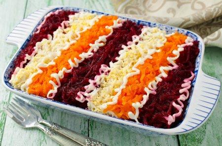 Слоенный салат из вареных овощей: как приготовить вкусно?