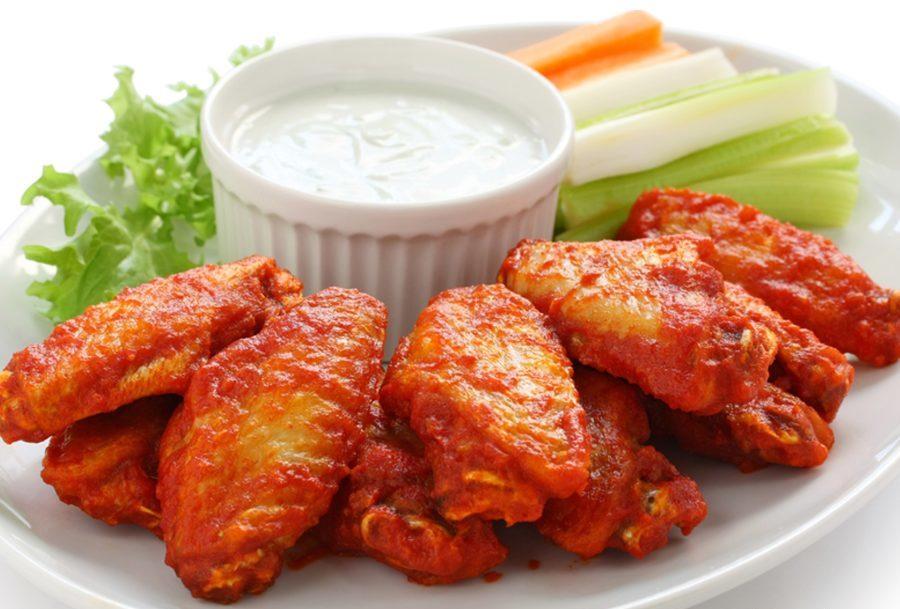 """Как готовить куриные крылышки """"Баффало"""""""