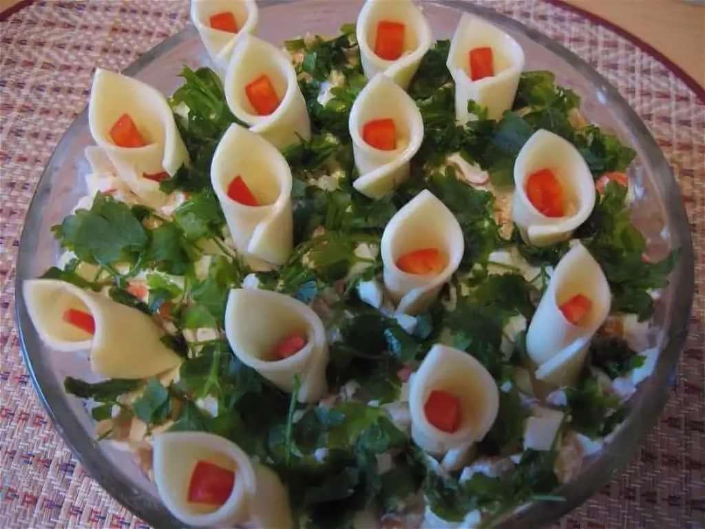 Как украсить праздничный стол: рецепт каллы, тюльпаны, розы.