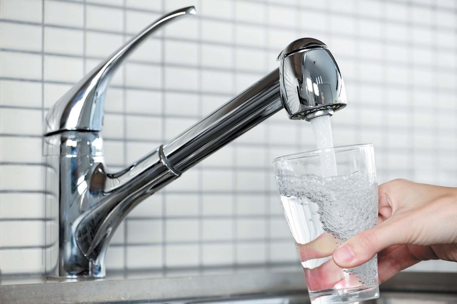 Качество воды в вашем кране: запах, привкус, цвет, осадок.