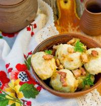 Картофельные галушки готовим: с грибами, с капустой.